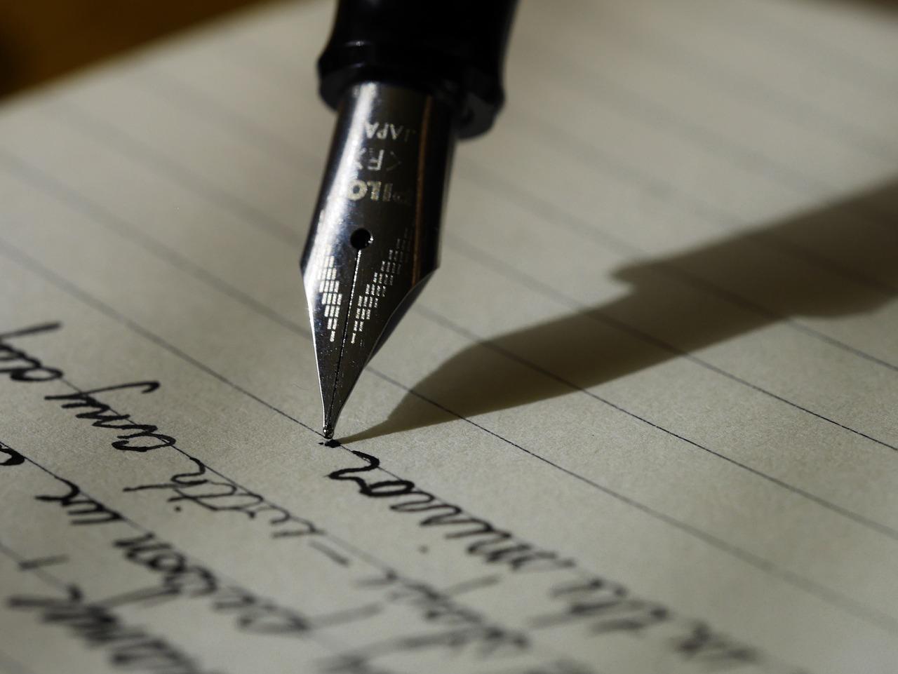 【必見】意見文/論説文の違いと書き方